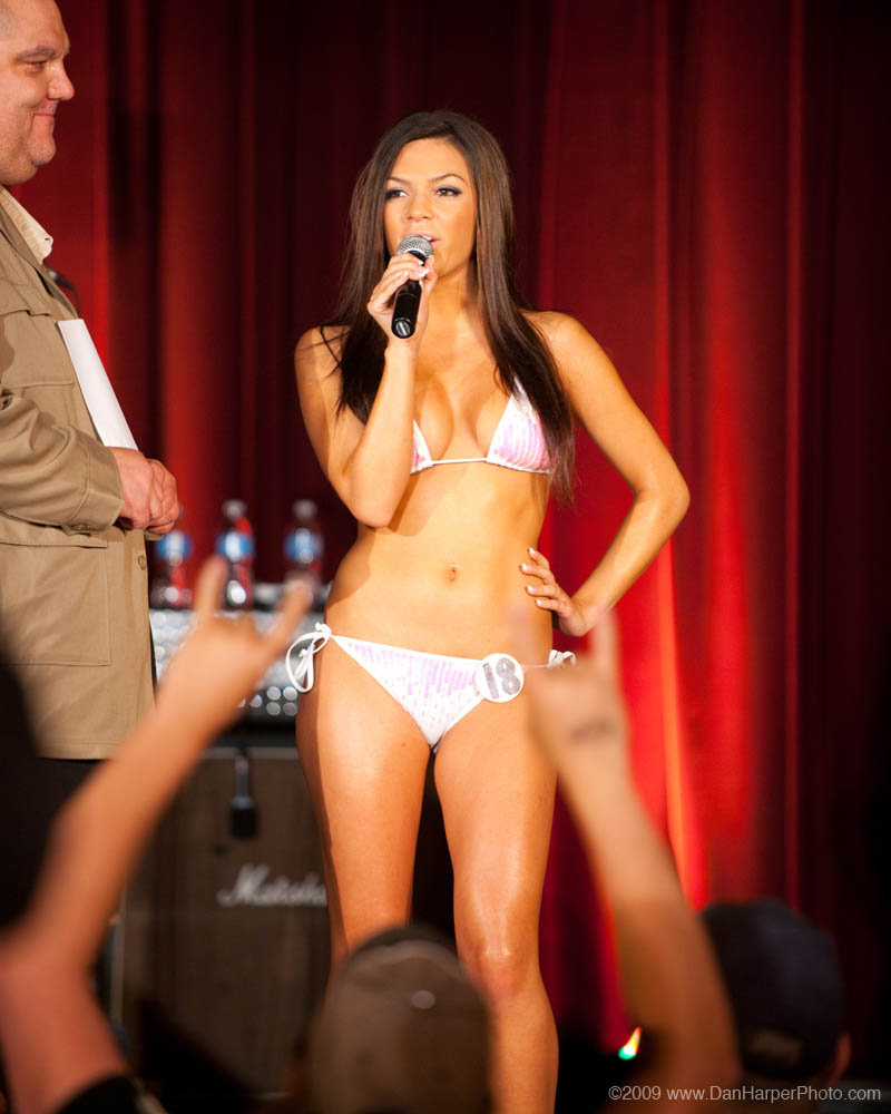 Miss Hooters Canada